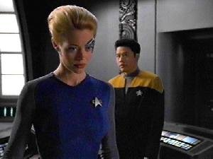 Seven of Nine and Harry Kim